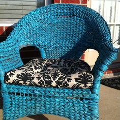 DIY: Turquoise wicker chair with black damask chair cushions. Was blk wicker- I spray painted for $4 per can, you too can make this happen. Lowe's spray paint.