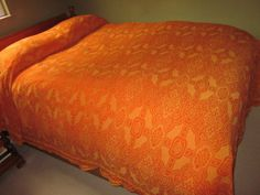 Vintage-Cotton-Bates-Gold-Red-Damask-Full-Double-Fringed-Bedspread