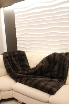 Narzuta z naturalnego futra soboli. Real sable fur bedspread.