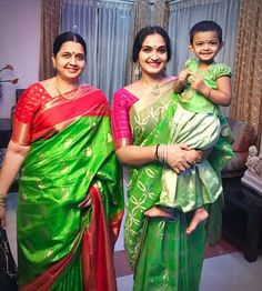 Beautiful Saree, Beautiful Indian Actress, Beautiful Outfits, South Indian Silk Saree, Indian Blouse, Kanjivaram Sarees Silk, Bridal Silk Saree, Organza Saree, Mother Daughter Fashion