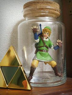 Figma Link in a bottle and Triforce clock from Hyrule Warriors, by @yzk919