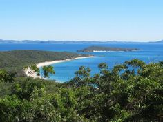 Mount Kanute on Great Keppel Island in South Queensland, Australia, offers views of Lecks Beach and Middle Island. Great Keppel is a favorite of bird-watchers. Middle Island, Fraser Island, Queensland Australia, Cairns, Brisbane, River, Bird, Beach, Outdoor