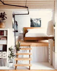 A Book-Filled Loft in Toronto A Book-Filled Loft in Toronto. a lofted bed a great way to save space in a tiny home or small space. The post A Book-Filled Loft in Toronto appeared first on Einrichtung ideen. Tumblr Room Decor, Tumblr Bedroom, Deco Studio, Deco Design, Design Design, Modern Design, Attic Design, Design Room, Design Trends