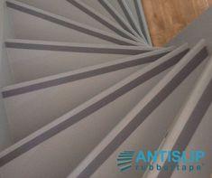 Met de zelfklevende antislip strip in beton trap look, maak je elke trap weer veilig. www.antisliprubbertape.com Strip, Tape, Duct Tape, Ribbon, Ice