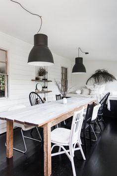 Rustic dining room inspo. For a country style dining room take inspo from this rustic home in Bowral. Home Decor Inspiration, House Design, Country Style Dining Room, Home Decor, Country Cottage Decor, Latest Interior Design Trends, Home Buying, Rustic Dining Room, Rustic House