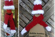Bottle Buddies Pattern + Printable Template - The Crochet Crowd Crochet Christmas Decorations, Christmas Crochet Patterns, Holiday Crochet, Christmas Knitting, Christmas Hat, Crochet Crafts, Yarn Crafts, Free Crochet, Crochet Crowd