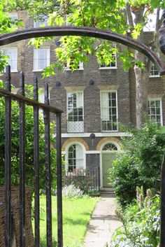 There are some celebrated Georgian roads in London's Camberwell This is Grove Lane where there is a run of the most beautiful #Georgian houses