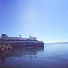 The sun is shining on the Fundy Rose! ☀ Photo via Carly Doucet. New Brunswick, Nova Scotia, Cruise, Sunshine, Beach, Water, Photos, Outdoor, Instagram