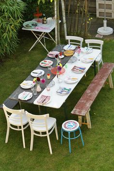 two-toned table -- would be cute for separate bride & groom's sides at engagement party or rehearsal dinner