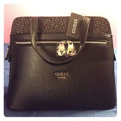 Hand bag guess bluebird-natural New with tag %100 authentic always awesome style Guess Bags Shoulder Bags