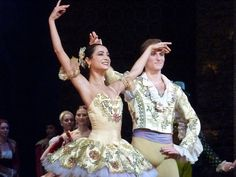 Mathilde Froustey and François Alu in Don Quichotte.
