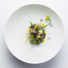 Gone are the days of the token vegetarian dish. Now chefs are building elaborate tasting menus around seasonal produce Gourmet Food Plating, Michelin Star Food, Tasting Menu, All Vegetables, Molecular Gastronomy, Gourmet Recipes, Gourmet Desserts, Plated Desserts, Food Presentation