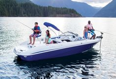 The TAHOE® 450 runabout boat features a Mercury® outboard, Minn Kota® trolling motor and aerated livewell with comfort features to provide ski-and-fish functionality in a nimble package. Boat Crafts, Water Crafts, 2016 Tahoe, Fish And Ski Boats, Riva Boat, Boat Drawing, Runabout Boat, Plywood Boat Plans, Lake House Plans