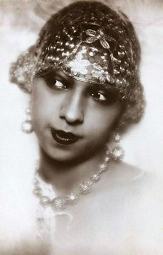"mote-historie: ""  Josephine Baker, Photo by Madame D'Ora, 1920s """