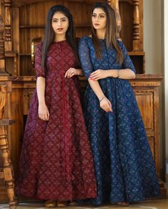 Pakistani Dresses Casual, Indian Gowns Dresses, Indian Fashion Dresses, Pakistani Dress Design, Indian Designer Outfits, Casual Dresses, Dress Outfits, Casual Frocks, Fancy Dress Design