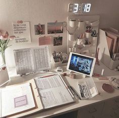 # how to get focused on studying Study hard discovered by Cosmic weirdo on We Heart It Study Room Decor, Cute Room Decor, Room Ideas Bedroom, Bedroom Decor, Study Rooms, Study Corner, Uni Room, Study Space, Study Areas