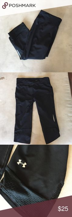 Under Armour workout Capri pant Black under Armour workout pant! Great condition only worn once. Strap in back to adjust the waist. Pants