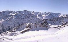 IN AUSTRIA SI PUO' GIA' SCIARE #austria #neve #sci #tirolo