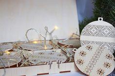 Drevené vianočné ozdoby v boxe, Závesné dekorácie