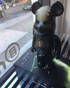 Sci-Fi meets Bearbrick with this 400% sized Alien Bearbick. Purchase today and receive 20% off because we like giving you Daily Deals!  #dailydeal #alien #bearbrick #medicomtoy #bearbrick400 #scifi #arttoys #arttoy #vinyltoy #vinyltoys #designertoys #desgnertoy #designer #designers #art #vinyl #toy #toys #collectibles #collectible #markham #mindzai #toronto