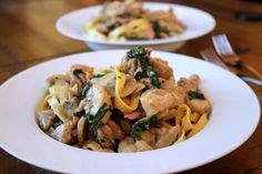 Creamy chicken fettuccine with bacon & mushrooms