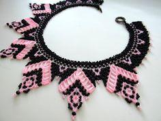 A beaded necklace. Crochet Necklace, Beaded Necklace, Bib Necklaces, Col Crochet, Beaded Jewelry, Handmade Jewelry, Crochet Jewelry Patterns, Peyote Beading, Beading Tutorials