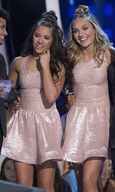 Maddie ziegler 803329652261368491 - Maddie and Kenz on DWTS Juniors Source by LiliAlizeeee Dance Moms Dancers, Dance Mums, Dance Moms Girls, Maddie Ziegler, Mackenzie Ziegler, Maddie And Mackenzie, Dancing With The Stars, Nice Dresses, Summer Outfits