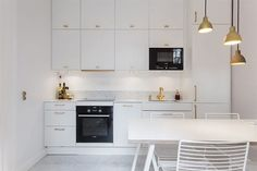 how to clean the kitchen cabinets ikea ringhult kitchen in gloss white island ideas 8584