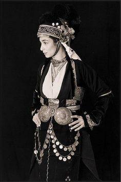 Costume from Macedonia, Greece Greek Traditional Dress, Traditional Outfits, Ancient Greek Costumes, Kai, Greece Fashion, Greek Beauty, Greek Culture, Greek Art, Textiles