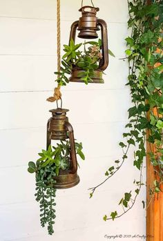 Old School Lantern Planters & Making A Faux Antique Pulley These charming old school lantern planters look amazing hanging from an antique pulley. Make your own with this super tutorial. Shabby Chic Kitchen Decor, Shabby Chic Living Room, Shabby Chic Interiors, Shabby Chic Homes, Farmhouse Decor, Rustic Decor, Black Interiors, Garden Crafts, Garden Art