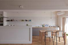 #キッチン #ダイニング #LDK #kitchen #dining #オリジナルキッチン #造作キッチン #造作 #ダイニングテーブル #チェア #タイル #カウンターキッチン #リノベーション #EcoDeco #エコデコ #Y様邸清澄白河 Natural Interior, Home Interior Design, House Design, Architecture, Kitchen, Table, Furniture, Home Decor, Arquitetura