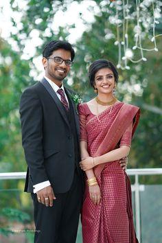 South Indian Bride Saree, Kerala Wedding Saree, Kerala Bride, Indian Bridal Sarees, Indian Wedding Wear, Bridal Silk Saree, Saree Wedding, Silk Sarees, Engagement Dress For Bride