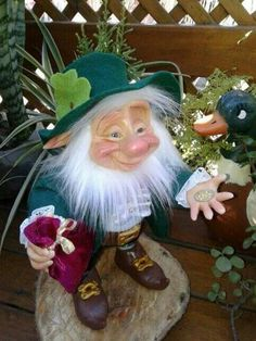 Leprechaun, Christmas Ornaments, Holiday Decor, Home Decor, Elves, Bruges, Decoration Home, Room Decor, Christmas Jewelry