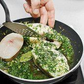 Хек в зеленом чесночном соусе Fish Dishes, Diet Menu, Fish And Seafood, Palak Paneer, Guacamole, Mexican, Ethnic Recipes, Cookies, Website