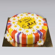 Uneori fericirea sta intr-un simplu gest, iar daca doriti sa umpleti de emoţie si incantare sufletul femeii dragi, daca vreti sa se simta rasfatata si iubita, oferiti-i un tort personalizat decorat cu margarete, pe măsura delicatetii si sensibilitatii sale.  Pret: 200 lei Doritos, Birthday Cake, Desserts, Cakes, Food, Tailgate Desserts, Deserts, Cake Makers, Birthday Cakes