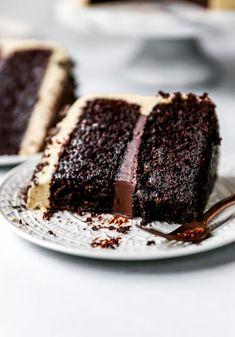 One Year: Mocha Cake with Fudge Filling & Espresso Frosting Baking Recipes, Cake Recipes, Dessert Recipes, Cake Filling Recipes, Frosting Recipes, Just Desserts, Delicious Desserts, Chocolate Desserts, Chocolate Fudge Cake