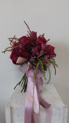 free flowing posy