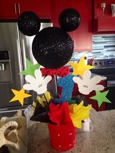 Mickey Mouse Clubhouse Center Piece chage stars to snow flake Theme Mickey, Fiesta Mickey Mouse, Mickey Mouse Clubhouse Birthday Party, Mickey Mouse 1st Birthday, Mickey Mouse Parties, Mickey Party, 2nd Birthday, Birthday Ideas, Pirate Party