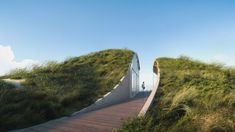 Studio Vural, a boutique architecture firm in Brooklyn, designs an off-the-grid Dune House in Cape Cod, Massachusetts. Cape Cod, Massachusetts, Painting Concrete Walls, Costa, Seaside Holidays, Unusual Homes, The Dunes, Sustainable Design, Sustainable Houses
