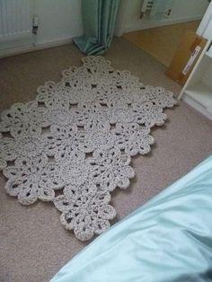 FREE PATTERN: Crochet Rug. Love this!