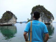 Raja Ampat Private Tour #RajaAmpat #TourOperator #RajaAmpatBiz #Indonesia #IndonesiaKaya #WonderfulIndonesia #Wayag #Pianemo #Kabui #Waisai #Waigeo #Papua #Tour #Travel Like follow and join us to last paradise! Tour Operator | www.raja-ampat.biz