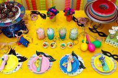 Idéia de mesa - Festa colorida (carnaval)