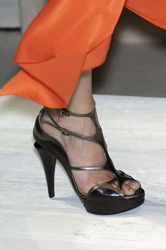 Salvatore Ferragamo at Milan Fashion Week Spring 2009 - Details Runway Photos