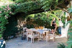 Italian inspired backyard dining table in Hollywood