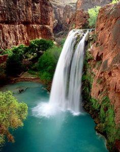Havasu Falls al sur del Gran Cañón del Colorado en Arizona