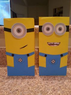 Hey, I found this really awesome Etsy listing at https://www.etsy.com/listing/165611437/10-minion-candy-bags-minion-goodie-bags