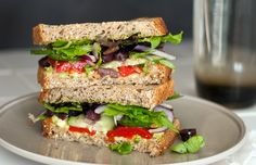 It's a greek salad in sandwich form! Greek Avocado Sandwich #vegetarian #healthy #recipe