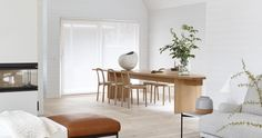 Woodnotes Vista chain operated roller blinds, Siro+ oak chairs and Woodwool hand knitted throw / carpet. White Interior, Table, Contemporary Kitchen, Furniture, Interior, Dining Chairs, Oak Chair, Home Decor, Dining Table