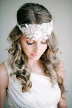 unique bridal hair accessory ideas // photo by Byron Loves Fawn