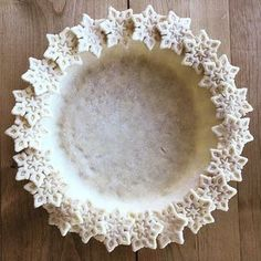 Wow, how pretty is that pastry Snow day = pie day. ❄️ is using our Holiday Pie Crust Cutters. Show us how you're cooking, baking and living with WS favorites using Holiday Pies, Holiday Baking, Christmas Desserts, Christmas Baking, Beautiful Pie Crusts, Pie Crust Designs, Pie Decoration, Pies Art, Pie In The Sky